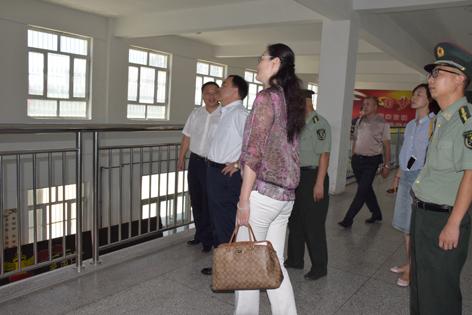教育厅吐厅长一行莅临学院督导调研民族团结进步年工作开展情况 (1)